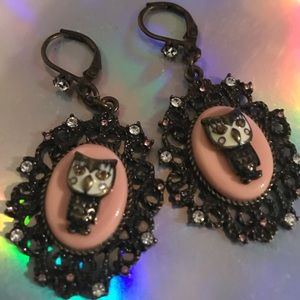 Pink owl cameo vintage earrings Betsey Johnson
